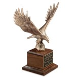 815 Majestic Eagle on American Walnut Base